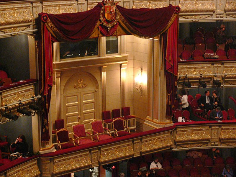 800px-Teatro_Real_Madrid_royal_box