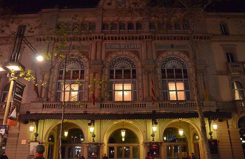 WLM14ES_-_Nocturna_del_Teatre_del_Liceu,_Barcelona_-_MARIA_ROSA_FERRE