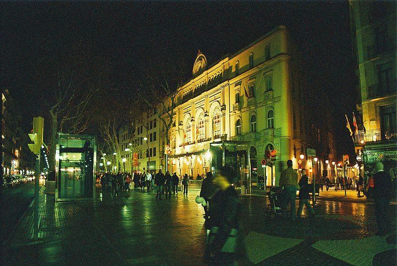 800px-Barcelona-2007-rr-24