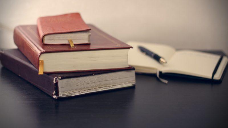 books-690219