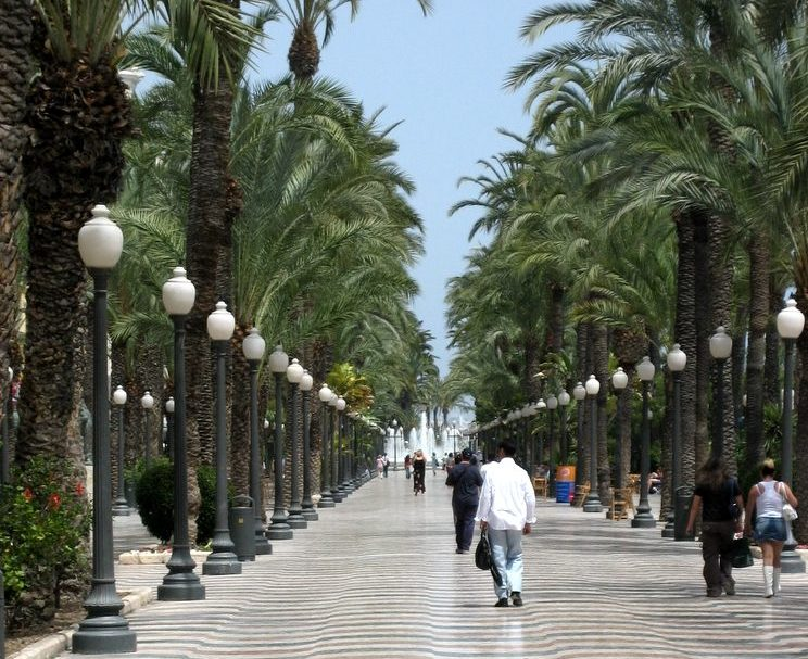 View down the Esplanade in Alicante