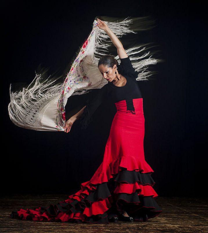 720px-Flamenco_dancer_3467