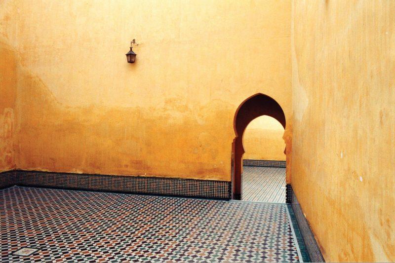 tUHd7kHTp6Ha4s9wONcI_Palace-Courtyard,-Meknes,-Morocco
